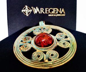 Magiczna historia i piękna biżuteria.